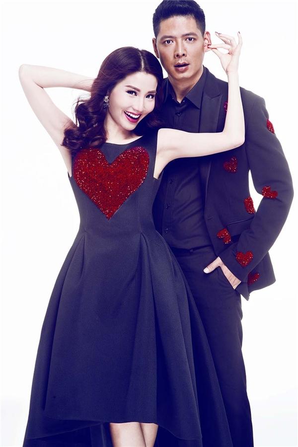 Cặp đôi diễn viên có những biểu cảm vô cùng đáng yêu, ngọt ngào như đôi tình nhân thực thụ.