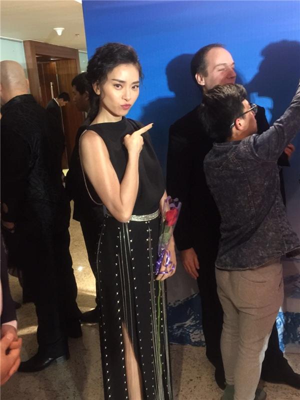 Ngô Thanh Vân sang trọng với chiếc váy đen gợi cảm. - Tin sao Viet - Tin tuc sao Viet - Scandal sao Viet - Tin tuc cua Sao - Tin cua Sao