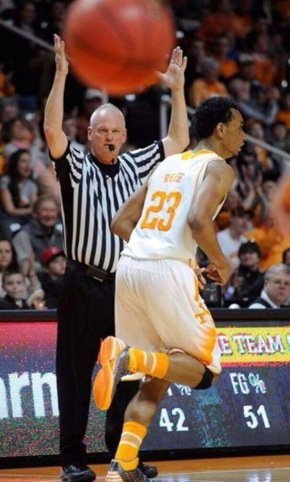 Luyện khí công ra... hình trái bóng rổ.(Ảnh: Internet)