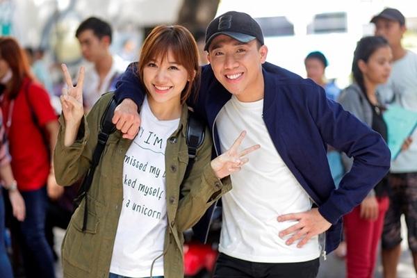 Trấn Thành và Hari Won thân thiết trong các chương trình truyền hình thực tế cũng như trên phim trường - Tin sao Viet - Tin tuc sao Viet - Scandal sao Viet - Tin tuc cua Sao - Tin cua Sao
