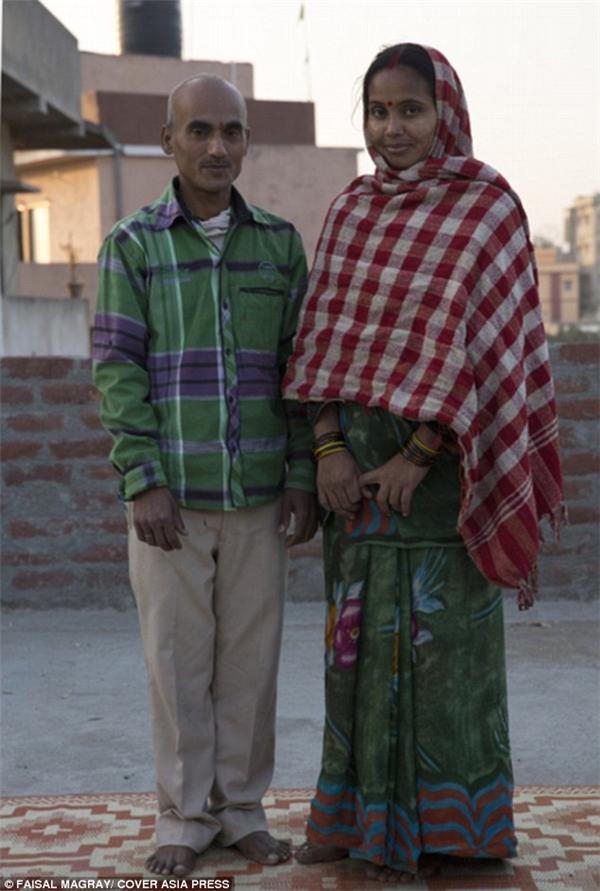 Anh Shatrughan Rajakvà chị Rinki Devi.(Ảnh: Daily Mail)