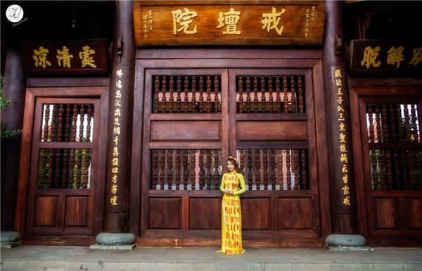 Bộ ảnh được Băng Di và ekip thực hiện tại một ngôi chùa ởngoại thành TP.Hồ Chí Minh trong những ngày giáp Tết. - Tin sao Viet - Tin tuc sao Viet - Scandal sao Viet - Tin tuc cua Sao - Tin cua Sao
