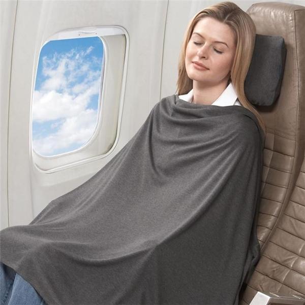 Chăn trên máy bay thường không được tẩy trùng. (Ảnh: Internet)