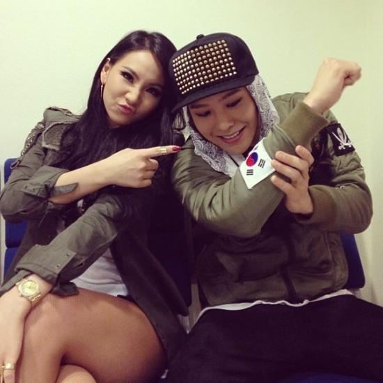 """Những đôi bạn thân khiến các fan luôn muốn """"ghép đôi"""" nhất Kpop"""