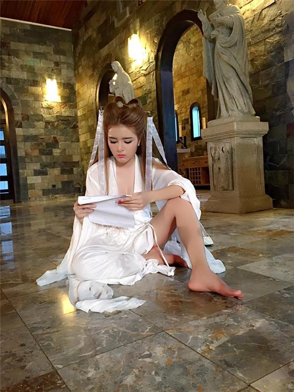 Lilly Luta là một trong những nhân tố hứa hẹn bùng nổ trong năm 2016. - Tin sao Viet - Tin tuc sao Viet - Scandal sao Viet - Tin tuc cua Sao - Tin cua Sao