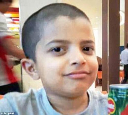 Cậu bé Deyaan Udani khi đi nghỉ ở Mumbai