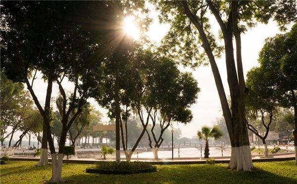 Một góc thành phố Long Xuyên vào buổi sáng. (Ảnh: Internet)