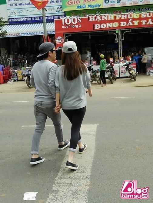 Cặp đôi nắm tay nhau không rời - Tin sao Viet - Tin tuc sao Viet - Scandal sao Viet - Tin tuc cua Sao - Tin cua Sao