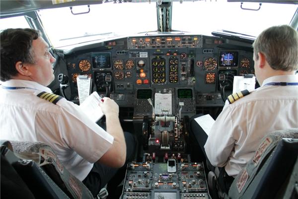 Cơ trưởng là người có quyền nhất trên máy bay. (Ảnh: Internet)