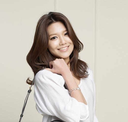 Giờ đây các ngôi sao Hàn Quốc vẫn đang nhiệt tình lăng xê cho kiểu tóc này như Sooyoung (SNSD) và Rain. (Ảnh: Internet)