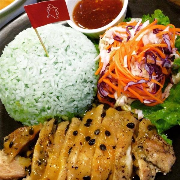 Bạn có thể thưởng thức nét tinh tế đặc trưng của ẩm thực Thái Lan ngay trên đất Thủ đô chỉ với giá 55.000 đồng/suất. (Ảnh: Internet)