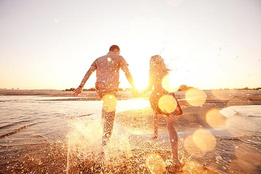 Chàng không giấu diếm bạn cũng như không trốn tránh những khó khăn trong mối quan hệ. (Ảnh: Internet)