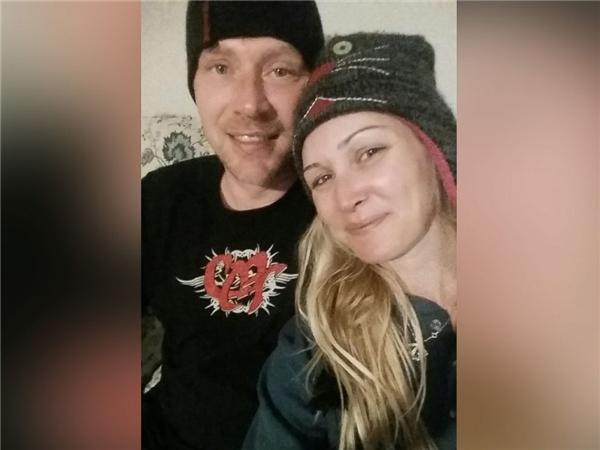 Chị Erica Harris và anh Arte Vann đã quyết định đi đến hôn nhânkhigặp nhau lần đầu tiên vào ngày 29/1 vừa qua tại sân bay quốc tế Ontario.(Ảnh: ABC News)