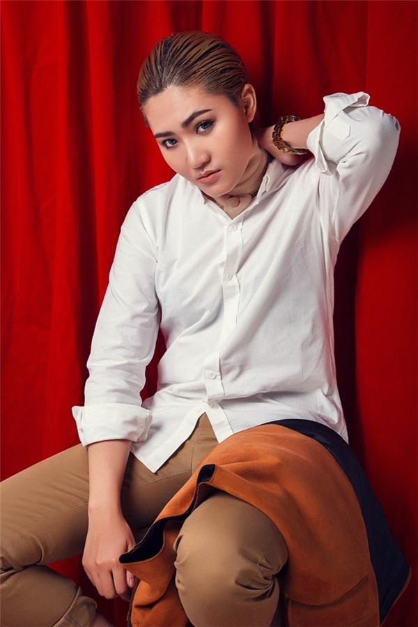 MV Nhạc xuân là sản phẩm âm nhạc mới nhất của Vicky Nhung đánh dấu rõ nét phong cách âm nhạc cũng như hình tượng trưởng thành của nữ ca sĩ. - Tin sao Viet - Tin tuc sao Viet - Scandal sao Viet - Tin tuc cua Sao - Tin cua Sao