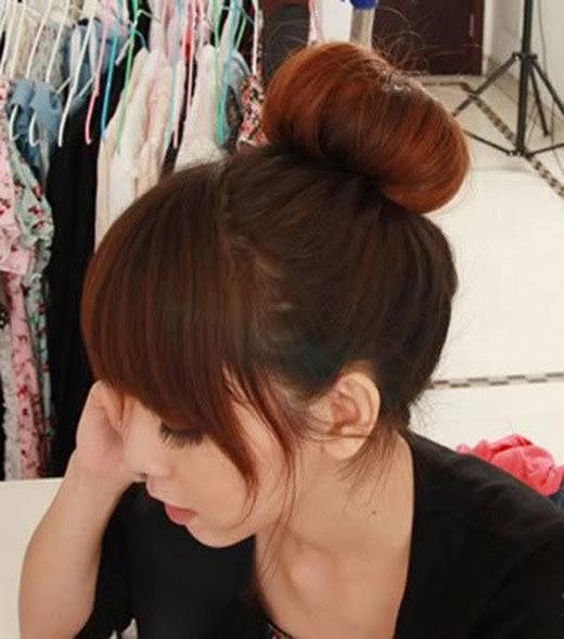 Đây là kiểu tóc búi cổ điển giúp bạn có vẻ ngoài gọn gàng, tươm tất. (Ảnh: Internet)
