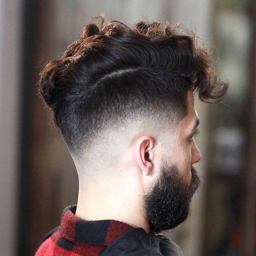 Tiếp tục là một kiểu tóc cá tính khác cho người tóc xoăn. (Ảnh: menshairstyletrends)
