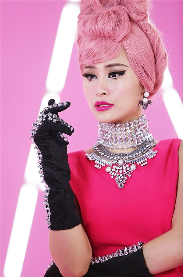 Pink girl do Đỗ Hiếu và Huỳnh Quốc Huy đảm nhiệm phần viết lời, theo phong cách nhạc Tropical House. - Tin sao Viet - Tin tuc sao Viet - Scandal sao Viet - Tin tuc cua Sao - Tin cua Sao