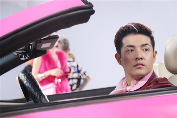 Đặc biệt MV còn có sự xuất hiện của Ông Cao Thắng với vai trò nam diễn viên chính bên cạnh Đông Nhi. - Tin sao Viet - Tin tuc sao Viet - Scandal sao Viet - Tin tuc cua Sao - Tin cua Sao