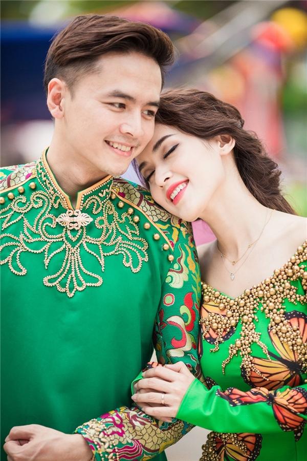 Cặp đôi nở nụ cười hành phúc bên nhau. - Tin sao Viet - Tin tuc sao Viet - Scandal sao Viet - Tin tuc cua Sao - Tin cua Sao
