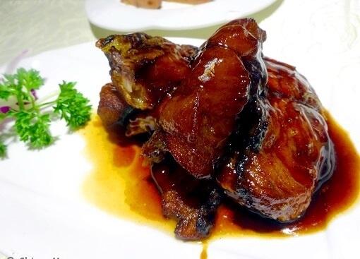 Xunyu là món cá kho keo đặc biệt của Thượng Hải, không thể thiếu trên bàn ăn vào đêm giao thừa của người dân ở đây.(Ảnh: Internet)