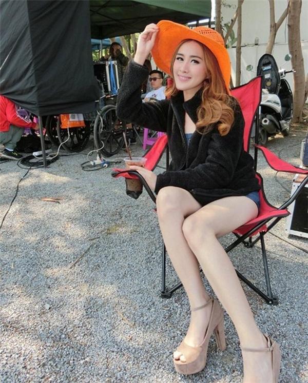 Instagram của Tang Kwakwa có hàng triệu người theo dõi do cô nàng thường xuyên cập nhật hình ảnh thời trang đến giới trẻ Thái Lan.