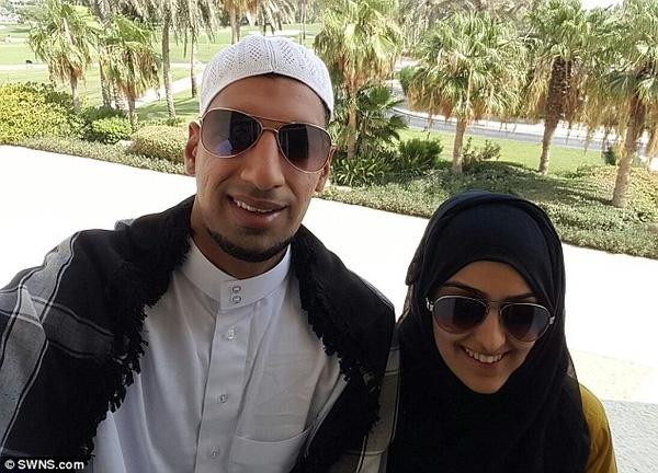 Cặp đôi đi tuần trăng mật tại Dubai.
