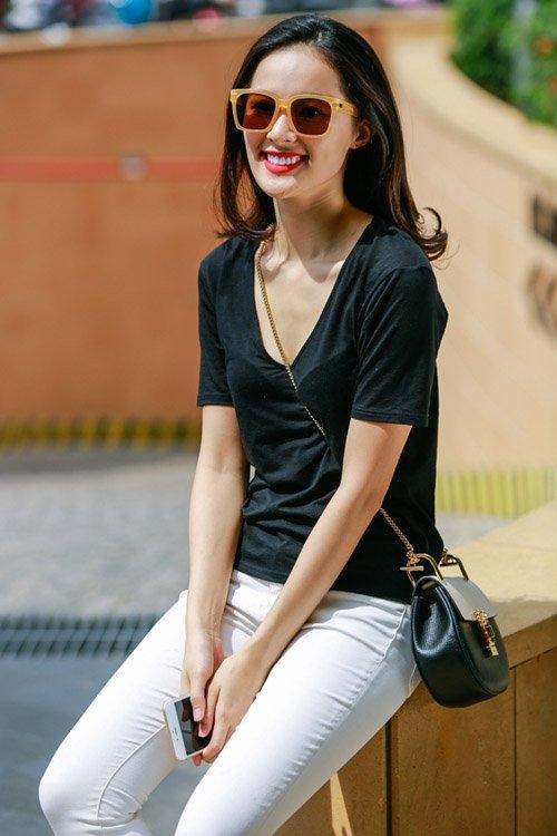 Chia sẻ về những dự định trong dịp Tết Nguyên Đán, Hạ Vi cho biết, cô sẽ ở lại Sài Gòn cùng bạn trai chào đón năm mới thay vì đi du lịch như mọi năm. - Tin sao Viet - Tin tuc sao Viet - Scandal sao Viet - Tin tuc cua Sao - Tin cua Sao