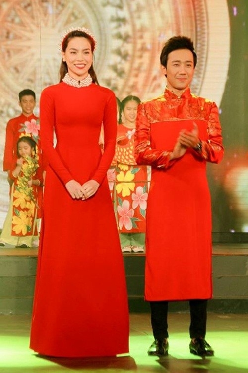 Diện áo dài họa tiết đẹp Noo Phước Thịnh, Sơn Tùng