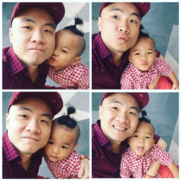 Bé Nhím diện sơ mi caro đồng điệu với bố Đỗ Mạnh Cường. Nếu như nhà thiết kế họ Đỗ chọn sắc tím hồng ngọt ngào thì cậu con trai lại diện sắc đỏ, trắng hiện đại, trẻ trung.