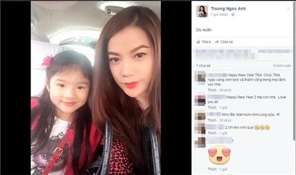 Diễn viên điện ảnh Trương Ngọc Ánh trông như… một người chị hơn là bà mẹ đang du xuân cùng con gái yêu. - Tin sao Viet - Tin tuc sao Viet - Scandal sao Viet - Tin tuc cua Sao - Tin cua Sao