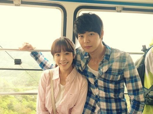 """Nữ diễn viên Han Ji Min tiếp tục bị """"lép vế"""" cho với bạn diễn nam sở hữu bờ vai """"năm tấc"""" vạn người mê, Yoochun."""
