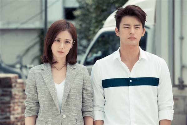 Sao nam Hàn sở hữu vai rộng khiến fan nữ mê mẩn