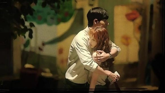 Park Hae Jin trong Cheese In The Trap là một tiền bối khá khó hiểu và bí ẩn nhưng khán giả vẫn luôn ganh tị với Kim Go Eun khi có anh bạn trai cao to, mạnh mẽ như anh.