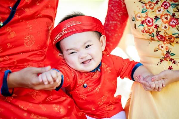 Cận cảnh vẻ đáng yêu của hoàng tử nhỏ nhà nữ kiện tướng dancesport. - Tin sao Viet - Tin tuc sao Viet - Scandal sao Viet - Tin tuc cua Sao - Tin cua Sao