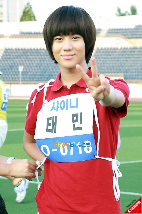 Từ khi ra mắt, Taemin (SHINee) đã chiếm trọn trái tim của hàng ngàn fan nữ nhờ kiểu đầu nấm đáng yêu.