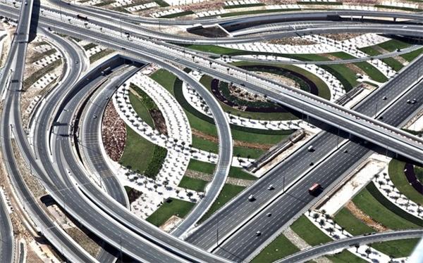 Các tuyến đường được thiết kế hiện đại, rộng rãi, nhìn như một tác phẩm nghệ thuật.