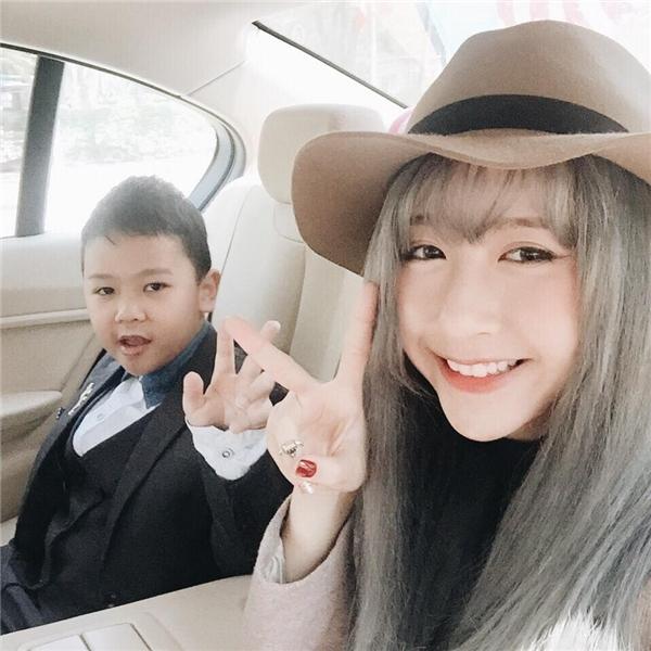 Hot girl Việt đọ sắc ngày đầu xuân với tông trang điểm tự nhiên