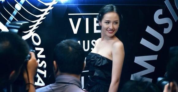 """Hoa hậu Mai Phương Thúy cũng từng xuất hiện ngắn ngủi với vai trò khách mờitrong bộ phim """"Thần tượng"""" của đạo diễn Quang Huy có đề tài về giới showbiz Việt. - Tin sao Viet - Tin tuc sao Viet - Scandal sao Viet - Tin tuc cua Sao - Tin cua Sao"""