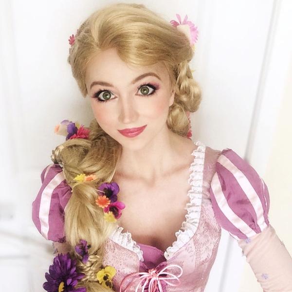 Sarah khá may mắn khi sở hữu cặp mắt to tròn, long lanh chẳng kém những nàng công chúa cổ tích.