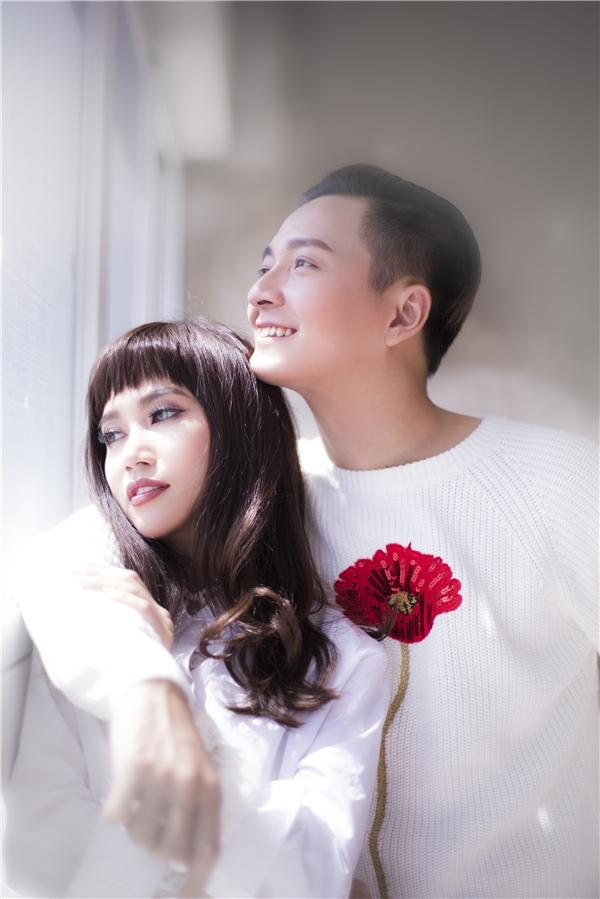 Bộ ảnh được sự giúp đỡ củanhiếp ảnh gia Kính O Tròng, stylist Trang nhẹ nhàng, chuyên gia trang điểm Hồng Nhật. - Tin sao Viet - Tin tuc sao Viet - Scandal sao Viet - Tin tuc cua Sao - Tin cua Sao