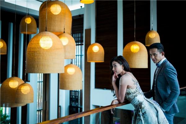 """Bộ ảnh này có thể lung linh như vậy tất cả đều nhờ vàobàn tay """"phù phép"""" của stylist Nguyễn Thiện Khiêm cùng nhà thiết kế tài hoa Anh Thư và chuyên gia trang điểm An An. - Tin sao Viet - Tin tuc sao Viet - Scandal sao Viet - Tin tuc cua Sao - Tin cua Sao"""