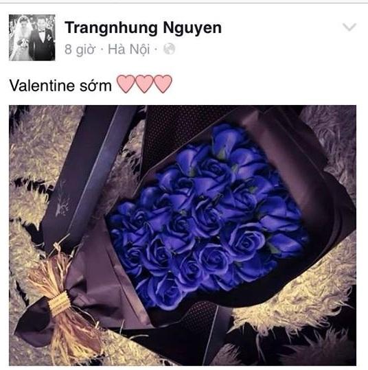Trang Nhung cũng đón Valentine sớm với một bó hoa, nhưng là màu xanh đầy nổi bật và không kém phần lịch thiệp. - Tin sao Viet - Tin tuc sao Viet - Scandal sao Viet - Tin tuc cua Sao - Tin cua Sao