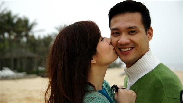"""Được công chúng công nhận như một trong những cặp vợ chồng ngọt ngào nhất showbiz Việt. Vợ chồng nhà Đan Lê Khải Anh thường xuyên trao nhau những cử chỉ tình tứ, khiến người đối diện không khỏi """"thẹn thùng"""". - Tin sao Viet - Tin tuc sao Viet - Scandal sao Viet - Tin tuc cua Sao - Tin cua Sao"""