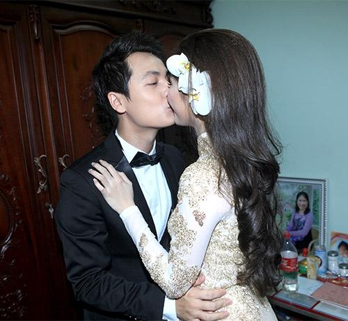 Đăng Khôi trao cho bà xã Thùy Anh nụ hôn nồng nàn. - Tin sao Viet - Tin tuc sao Viet - Scandal sao Viet - Tin tuc cua Sao - Tin cua Sao