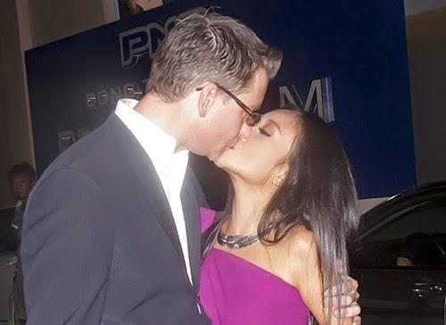 Đoan Trang và chồng Tây cũng có nhiều nụ hôn say đắm vô cùng lãng mạn trước chốn đông người. - Tin sao Viet - Tin tuc sao Viet - Scandal sao Viet - Tin tuc cua Sao - Tin cua Sao