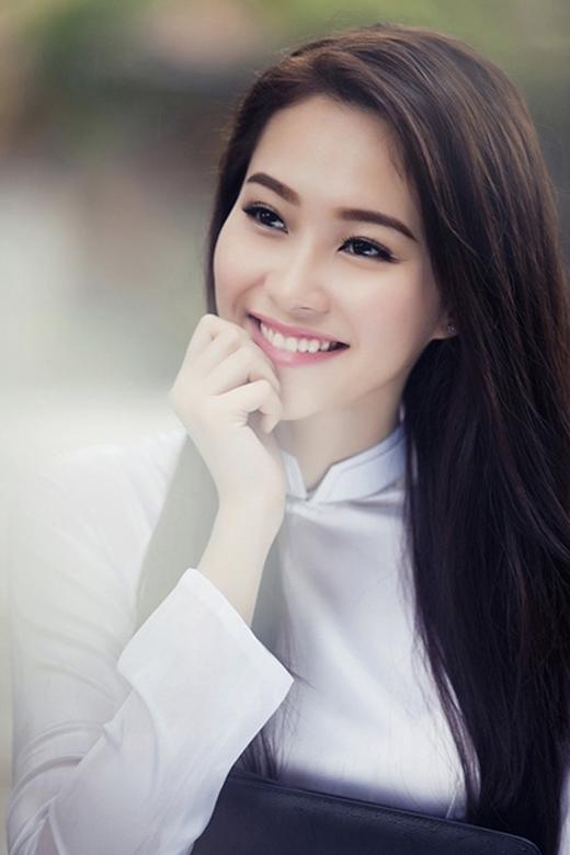 Thế nhưng cô Hoa hậu tài sắc vẹn toàn này vẫn cố gắng vươn lên và có được cuộc sống sung túc để lo cho bố mẹ. (Ảnh: Internet) - Tin sao Viet - Tin tuc sao Viet - Scandal sao Viet - Tin tuc cua Sao - Tin cua Sao