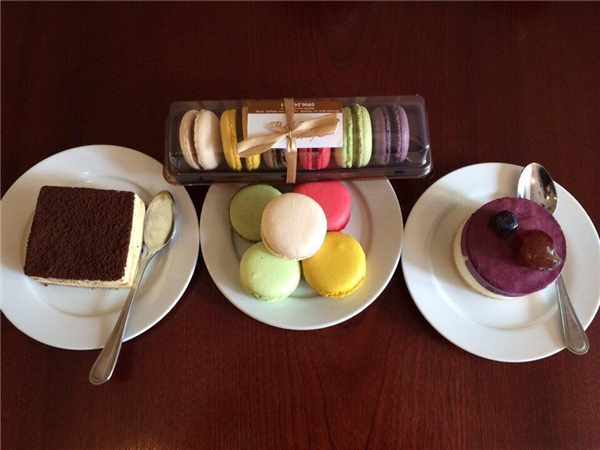 Giá cả bánh ngọt tại Chez Moi - ngõ Hàng Cháo khá mềm từ 20.000 đồng trở lên.(Ảnh: Internet)