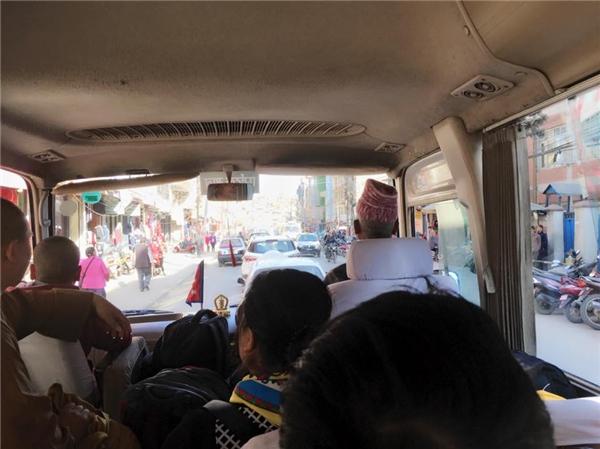 Thủy Tiên trên một chuyến xetại Nepal - Tin sao Viet - Tin tuc sao Viet - Scandal sao Viet - Tin tuc cua Sao - Tin cua Sao