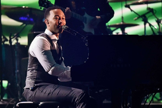 John Legend trình diễn Easy Like Sunday Morning. (Ảnh: Getty Images)