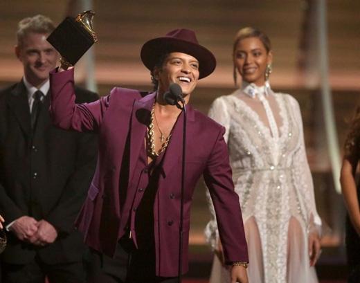 Bruno Mars với hai chiến thắng choBản ghi âm của nămvàMàn trình diễn pop song ca/nhóm xuất sắc nhất.(Ảnh: Getty Images)